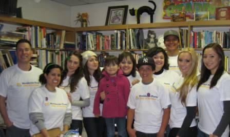 Alianza de los Amigos group particpates in the Worldwide Poets Day of Service event.