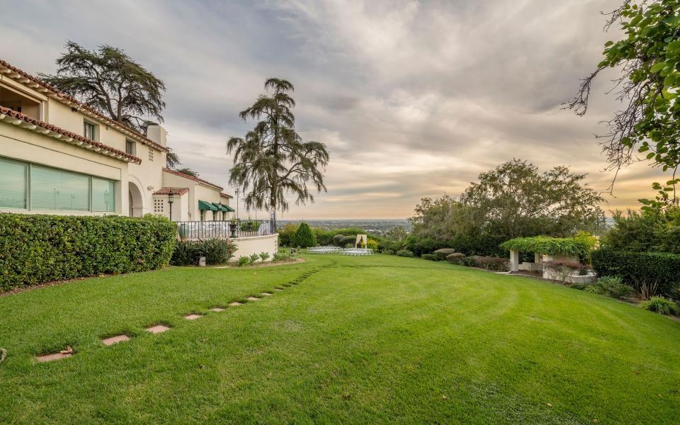 Western lawn at Wardman House