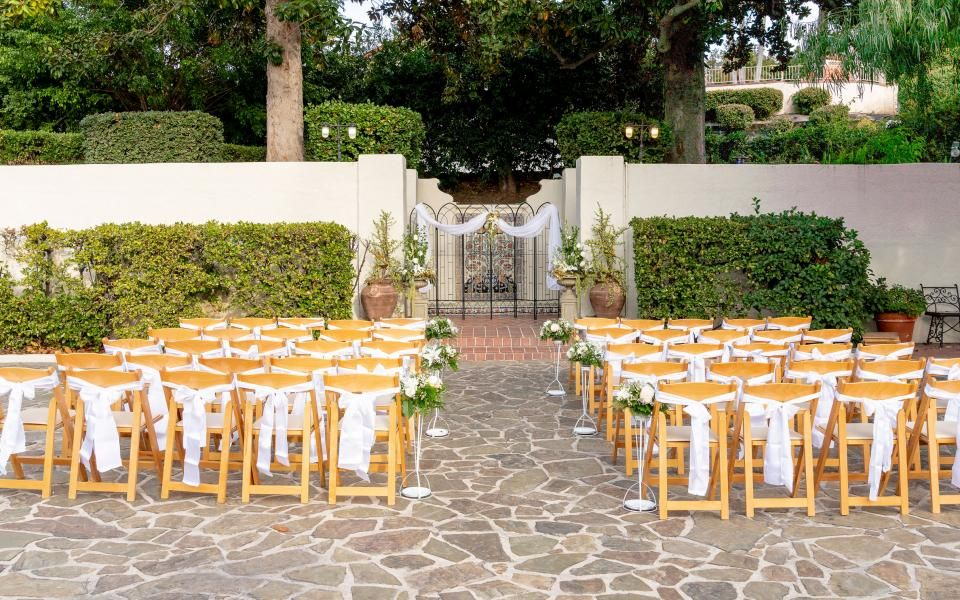 Courtyard ceremony set up