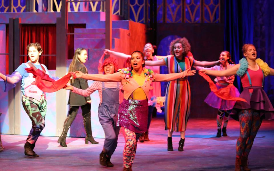Students perform in 'Pippin'